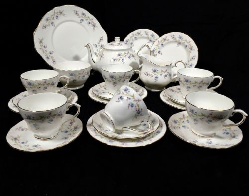 Vintage Duchess Bone China Complete Tea Set for 6 People / Teapot / Floral Trio
